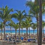 Riu Palace beach