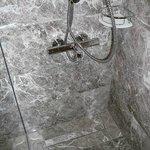 noch mehr Dusche, alles ganz neu & hochwertig