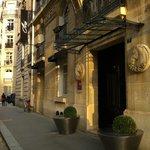 Hotel Ares - front door