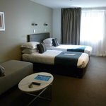 King hotel room - twin beds