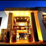 Fachada Hotel Cacique