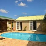 Bungalows OASIS et PARADIS vue sur piscine-390 € 6 nuits pour 2 personnes + 1 enfant de 0 à 3 an