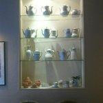 Exposisión de vajilla y cerámica