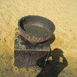 bacile di fango nella spiaggia attrezzata