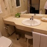bathroom clean and tidy
