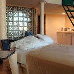 Downstairs Ocean Loft Room-See Thru Bathrooms!