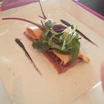 Carpaccio d'aiguillettes de canard et copeaux de foie gras