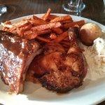 صورة فوتوغرافية لـ The Foolish Chicken Restaurant