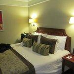 habitacion con menu de almohadas