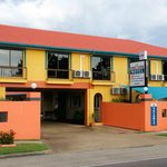 Cedar Lodge Motel Townsville, new look freshly painted front fence & rooms