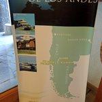 Circuito dos Lagos Andinos com uma diária no Hotel Natura. Banner na recepção do Hotel.