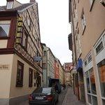 улочка у отеля