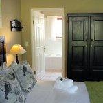 Standard Suite with full en-suite bathroom