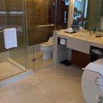 Regency Suite King Bathroom