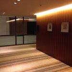客室フロアの廊下1