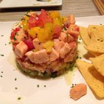 Grandioso tartar de salmón y vieiras