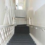 le ripide scale dell'hotel 83