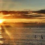 disfruta de la puesta del sol con nuestras clases de SUP