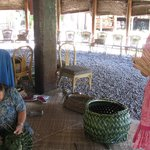 Flechten mit Palmenblättet