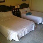 Zwei riesige Betten
