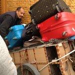 dalla navetta al riad (in zona pedonale) questo è l'unico mezzo utilizzabile per i bagagli