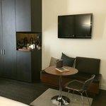 Sitting area, TV, minibar