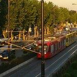 """"""" Tram elétrico"""" - o metrô de superfície -ótimo transporte para sair do hotel"""