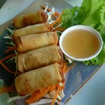 Spring rolls with palm syrup