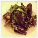 Thai mussel soup