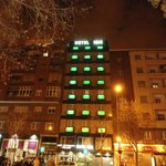 Hotel Isis di notte