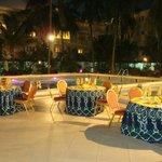 Abord piscine séminaire et buffet aux abords piscine