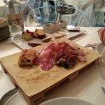 Antipasto_Degustazione di salumi e formaggi selezionati