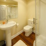 Deluxe Studio Suite view of bathroom - Seaport Village