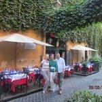 Tranquil street restaurant in Via Margutta