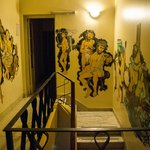 Las paredes del hostel