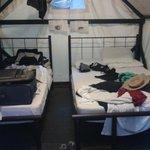 Die Zelte mit Doppel- und Einzelbett