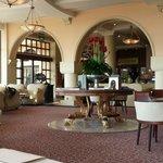 Täglich wechselnd wurde Nachmittags in der Lobby Klavier & Harfe gespielt