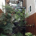 back view of Doris Home