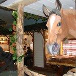 Очень натуралистичный конь))