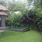 une piscine privative avec votre suite
