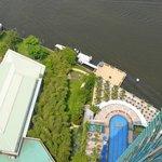 piscina vista dal balcone della suite