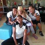 gracias a las Chicas del KidZone : Kiwi, Angelina Yahaira Elizabeth, Bertys y Nataly... EXCELENT