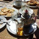 petit gouter avec le meilleur thé de marrakech
