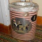 Sassy trash can