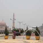 вид на мечеть из фонтана =)