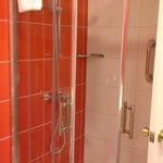 Proposed refurbished ensuite 2014 (shower)