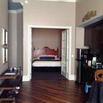 Bedroom (long view)