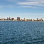 La belleza del mar y ciudad