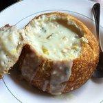 Sopa no pão (Chowder Bowl)