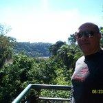 vista de la selva y el rio desde el balcon de la habitacion